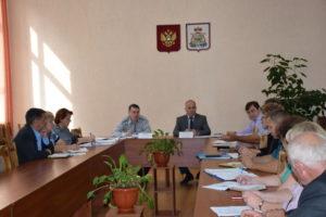 В Краснинском районе обсудили готовность избирательных участков к выборам