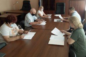 В Рославльском районе продолжается работа по повышению профессиональной подготовки организаторов выборов