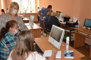 В Руднянском районе продолжается работа по повышению профессиональной подготовки организаторов выборов